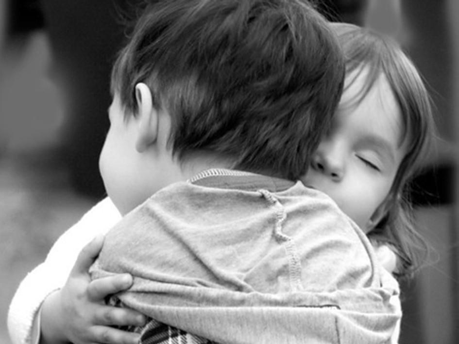 Crianca_abraco_carinho_amor_child_children_love.jpg